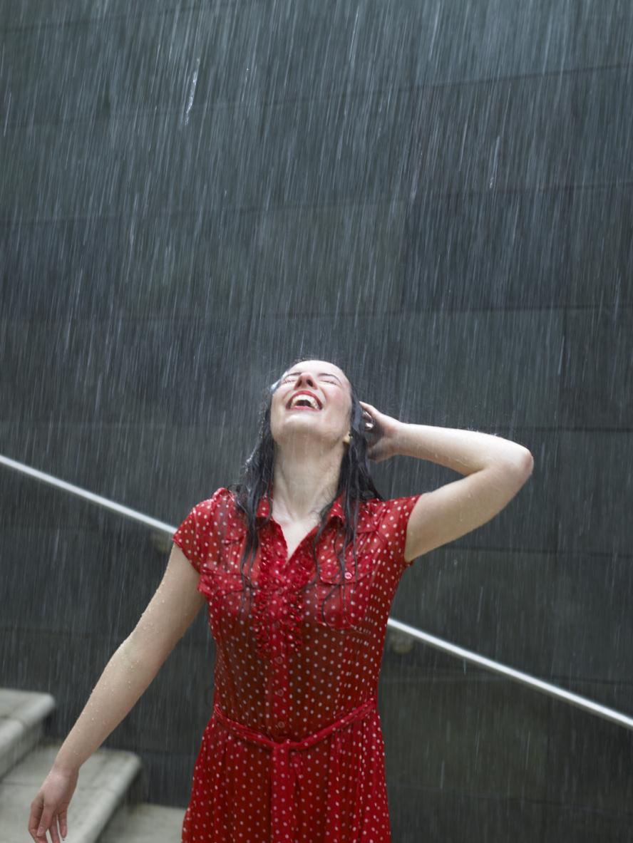 Сняла красное платье 7 фотография